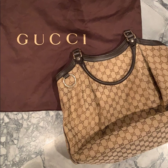 59485aa78bc575 Gucci Bags | Monogram Large Sukey Brown Tote | Poshmark